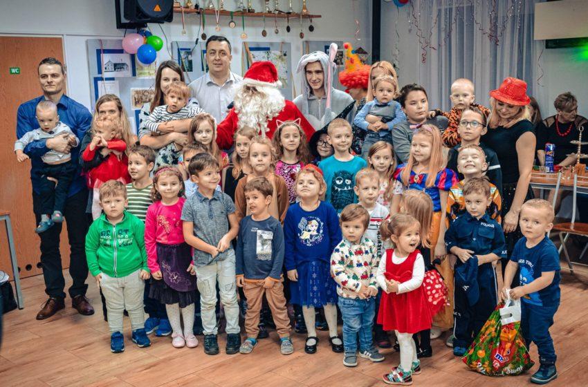 Bal z Mikołajem w Szopinku